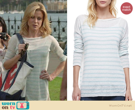 Vince Striped Lightweight Sweater worn by Julie Bowen on Modern Family