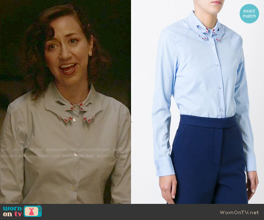 Vivetta Cut-Out Hand Collar Shirt worn by Kristen Schaal on Last Man On Earth