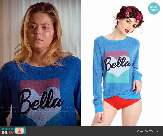 Wildfox Bella Pop Baggy Beach Raglan worn by Sasha Pieterse on PLL