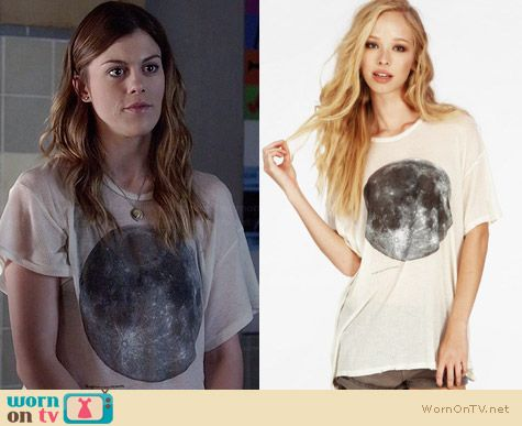 Wildfox Blue Moon Tshirt worn by Lindsey Shaw on PLL