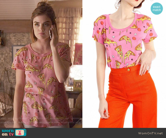 Wildfox Extra Cheese Pizza Tee worn by Lucy Hale on PLL