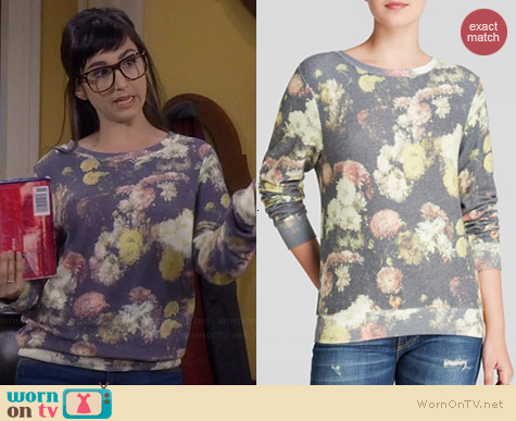 Wildfox Floral Sublimated Pullover worn by Molly Ephraim on Last Man Standing