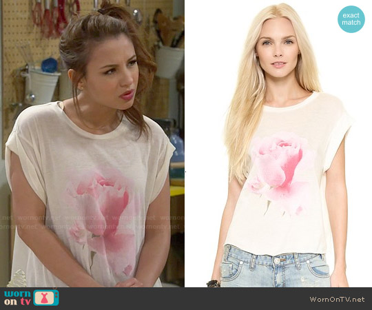 Wildfox Rainy Rose Tee worn by Aimee Carrero on Young & Hungry