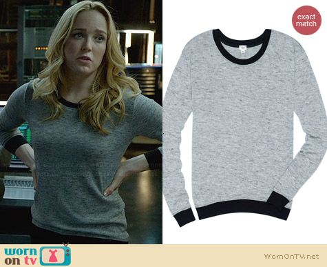 Wilfred Berri T-shirt in Heather Black worn by Caity Lotz on Arrow