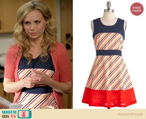 Wilfred Fashion: ModCloth Candy Stand Dress worn by Fiona Gubelmann