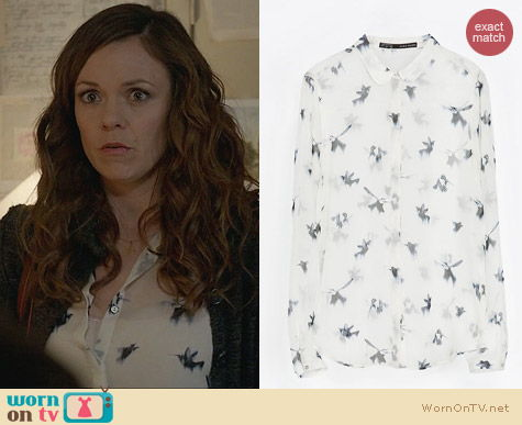 Witches of East End Fashion: Peter Pan Bird Print Blouse from Zara worn by Ingrid Beauchamp