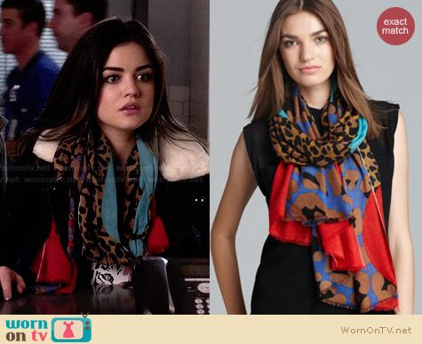 Yarnz Leopard Face Scarf worn by Lucy Hale on PLL