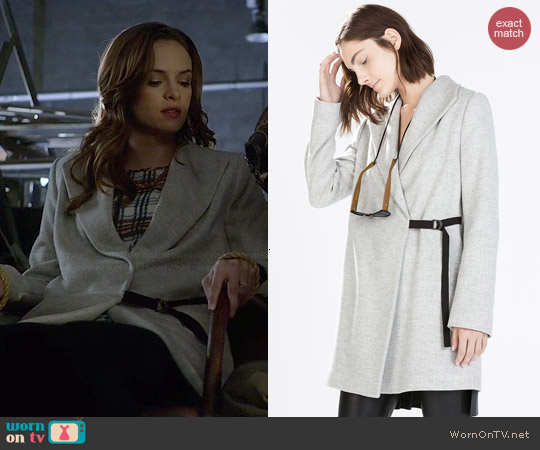 Zara Coat with Wide Collar worn by Caitlin Snow on The Flash