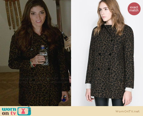 Zara Double Breasted Wool Coat in Animal worn by Amanda Setton on The Crazy Ones