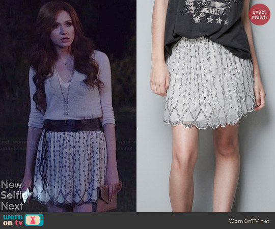 Zara Embroidered Skirt with Beads worn by Karen Gillan on Selfie