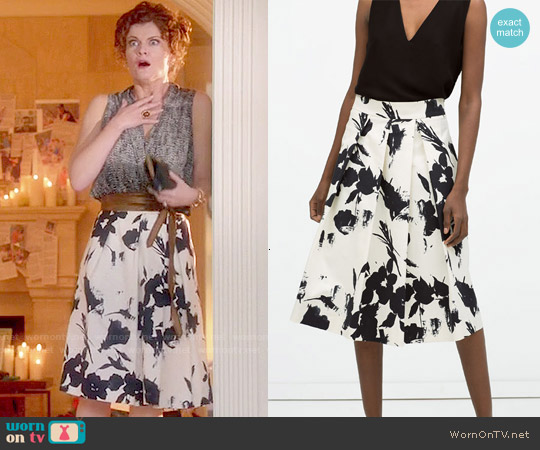 Zara Floral Print Pleated Skirt worn by Rebecca Wisocky on Devious Maids