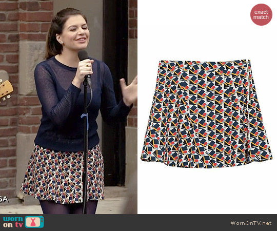 Zara Seamed Printed Mini Skirt worn by Casey Wilson on Marry Me