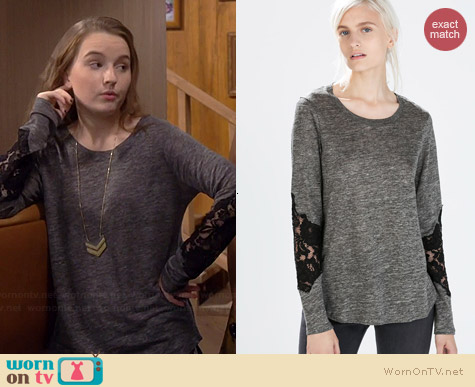 Zara Lace Sleeve Linen Tshirt worn by Kaitlyn Dever on Last Man Standing