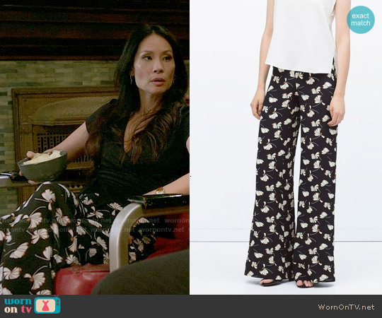 Zara Printed Bell Bottom Trousers worn by Lucy Liu on Elementary