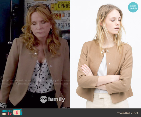 Zara Short Crepe Jacket worn by Kathryn Kennish on Switched at Birth